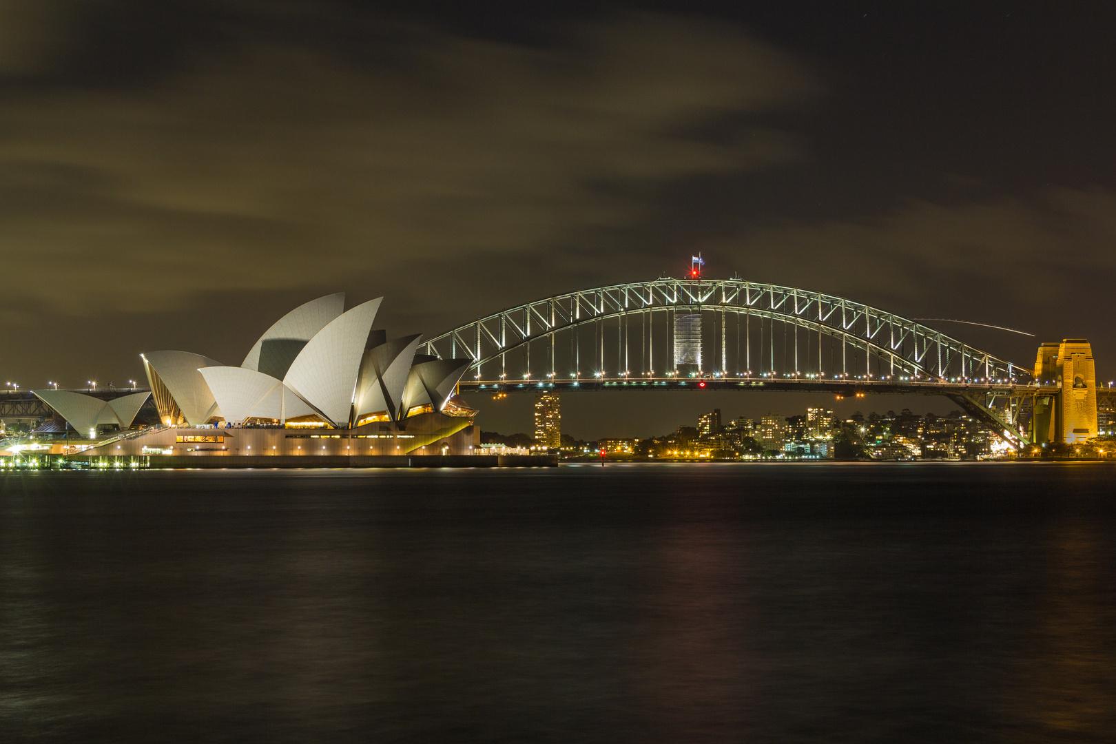 Sydney Oper + Harbour Bridge