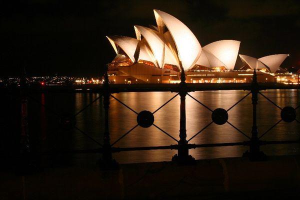 Sydney Opera House @ nite