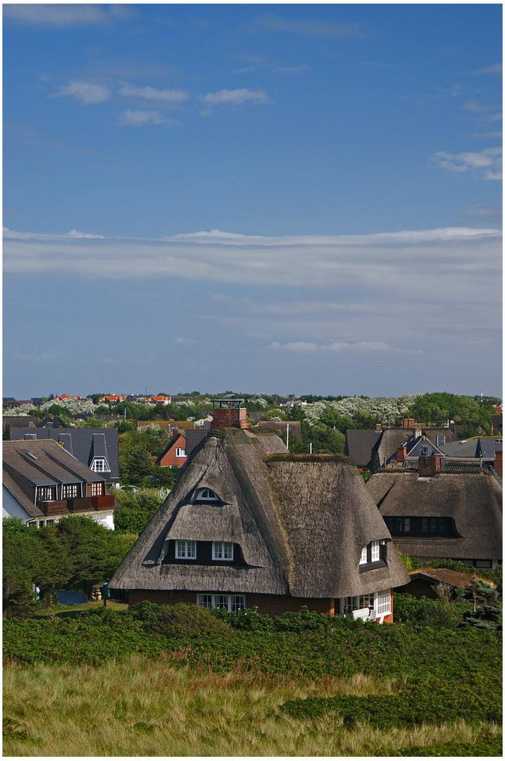 Sylt --- Über den Dächern von Wenningstedt