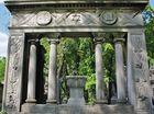 symbolträchtig - Jüdischer Friedhof Prenzlauer Berg Grabmal Haberland-->