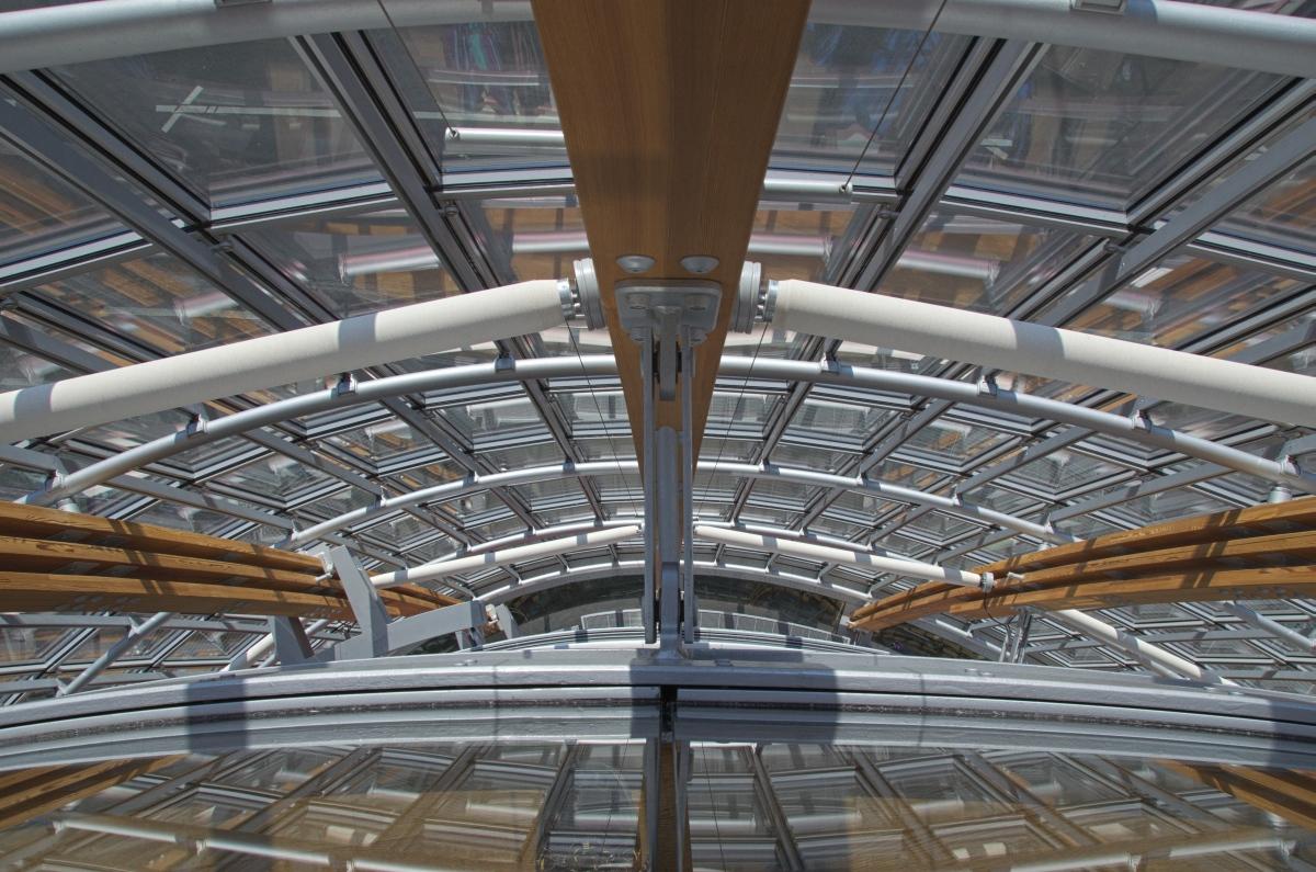Symmetry in glass