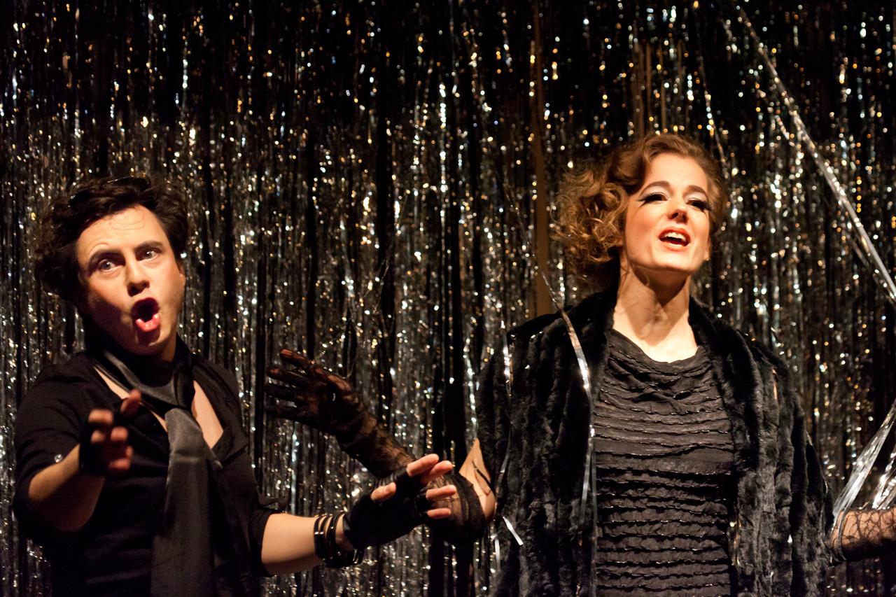"""Szenenfoto aus der Operette """"Die lustige Witwe"""""""