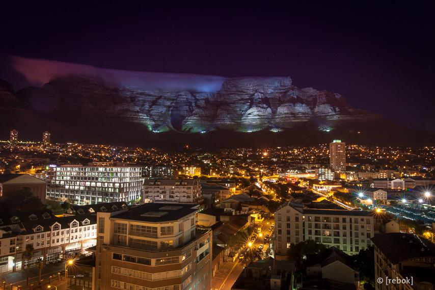 Table Mountain bei Nacht