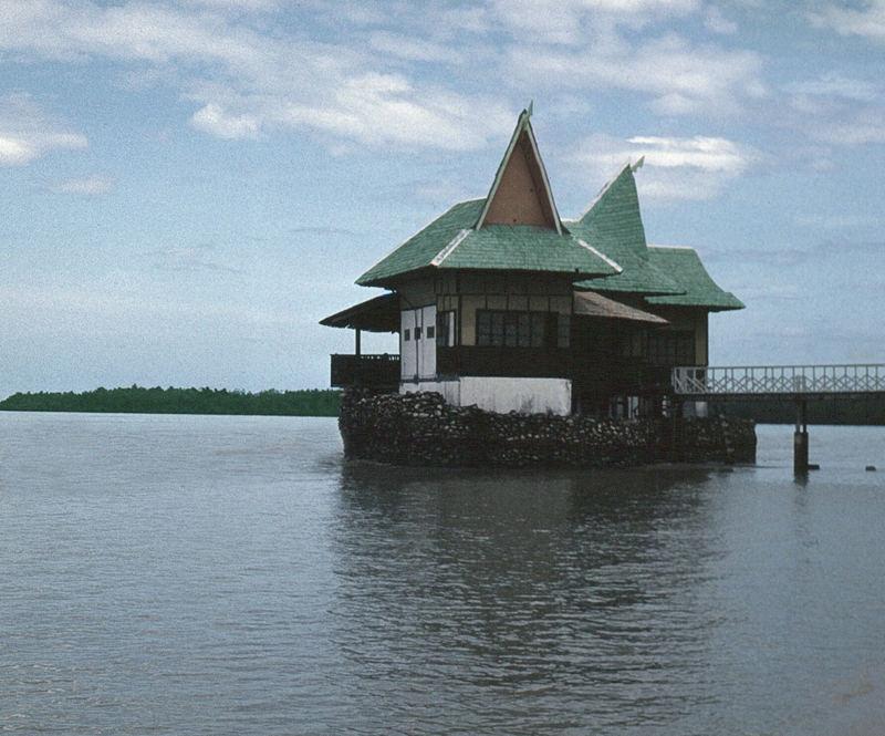 Tabon Village Resort / Quezon
