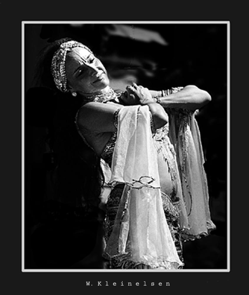 Tänzerin bei einem Fest in Montreux CH