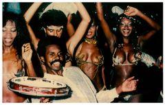 Tänzerinnen und Tänzer beim Umzug 1985