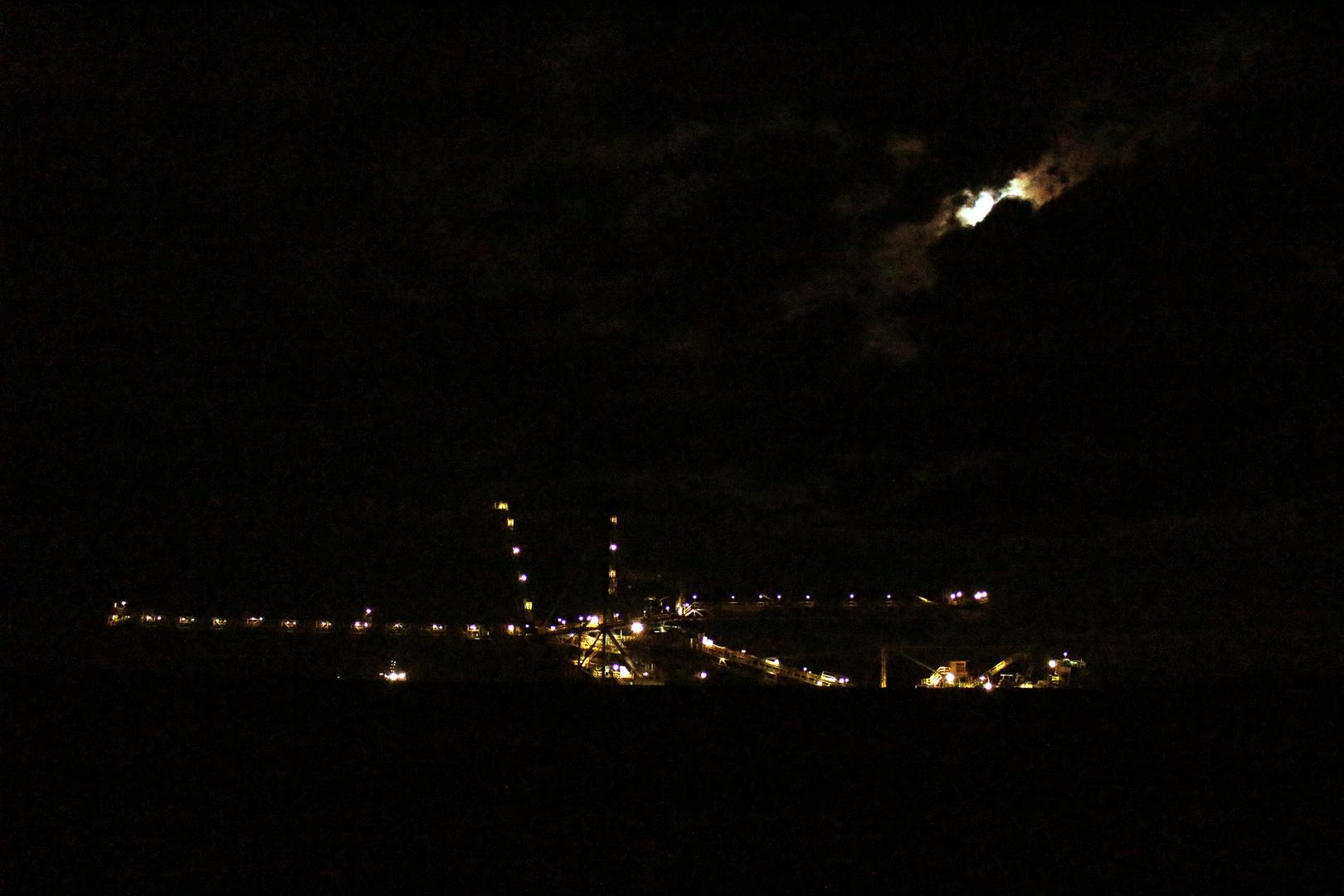 Tagebau bei Nacht