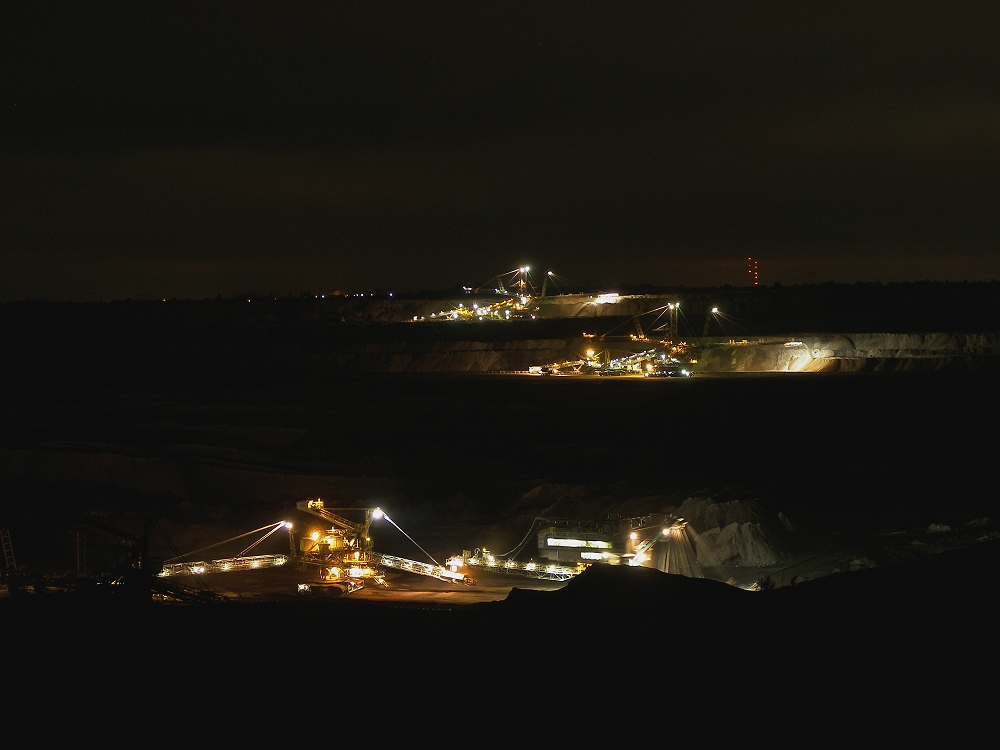 Tagebau Schleenhain bei Nacht