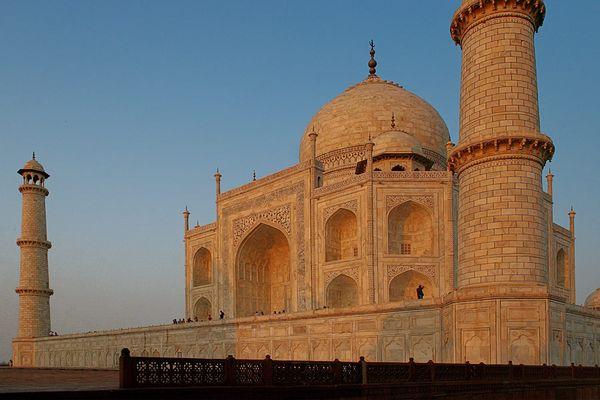 Taj Mahal im Licht der untergehenden Sonne