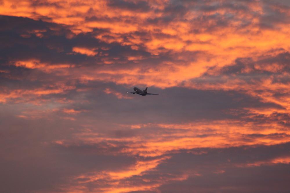 Take-off @ LEJ DC-10-30 World Airways