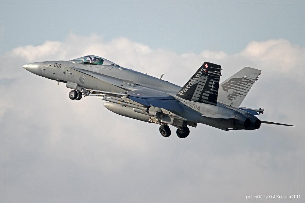 takeoff einer F/A 18 Hornet @ WEF 2011