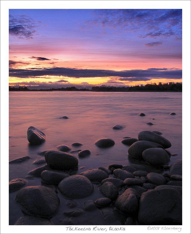 Talkeetna River in der Abenddämmerung