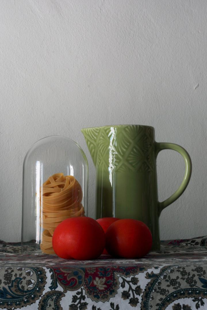tallarines con tomate.