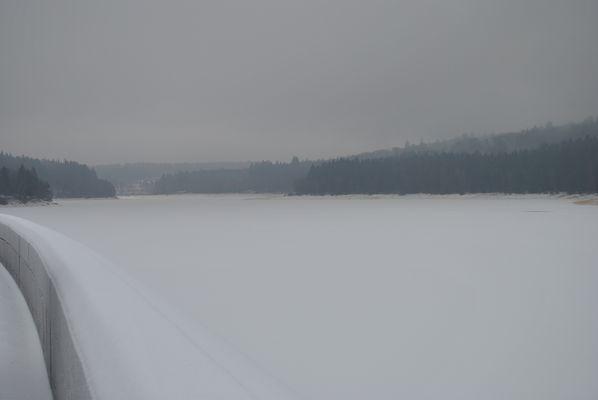 Talsperre im Winter - Barrage en hiver