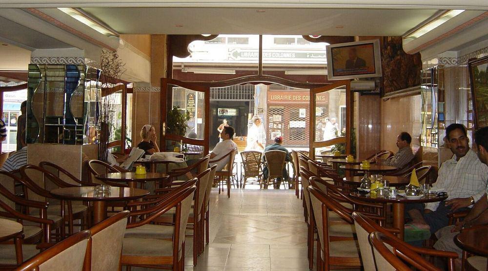Tanger - Blick aus dem Café Dolcys auf die Librairie des Colonnes