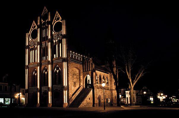Tangermünde Rathaus bei Nacht