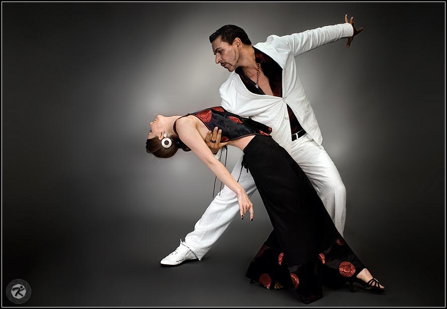 < Tango 01 >