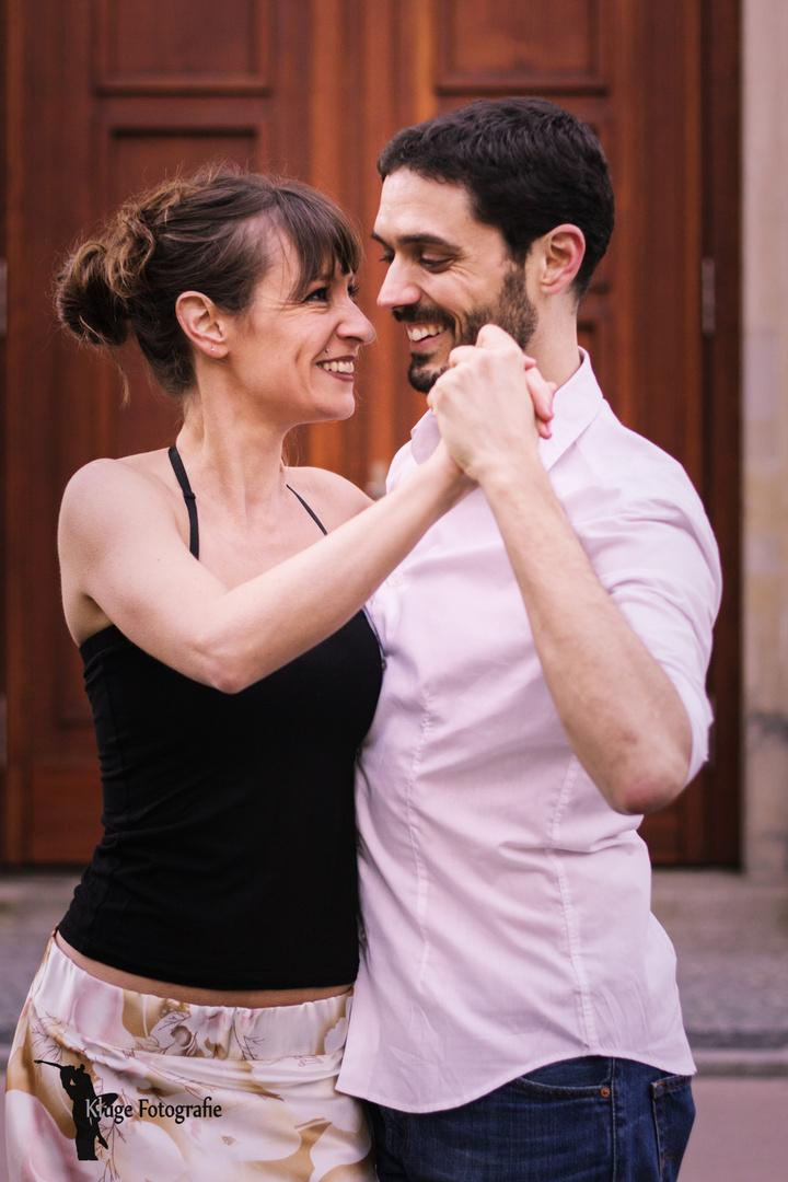 ...Tango in harmony...