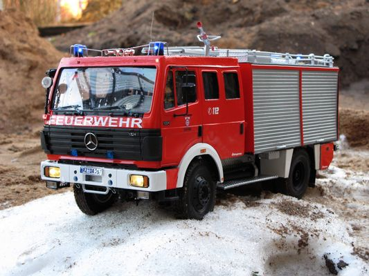 Tanklöschfahrzeug 16/25 der FF Mölln