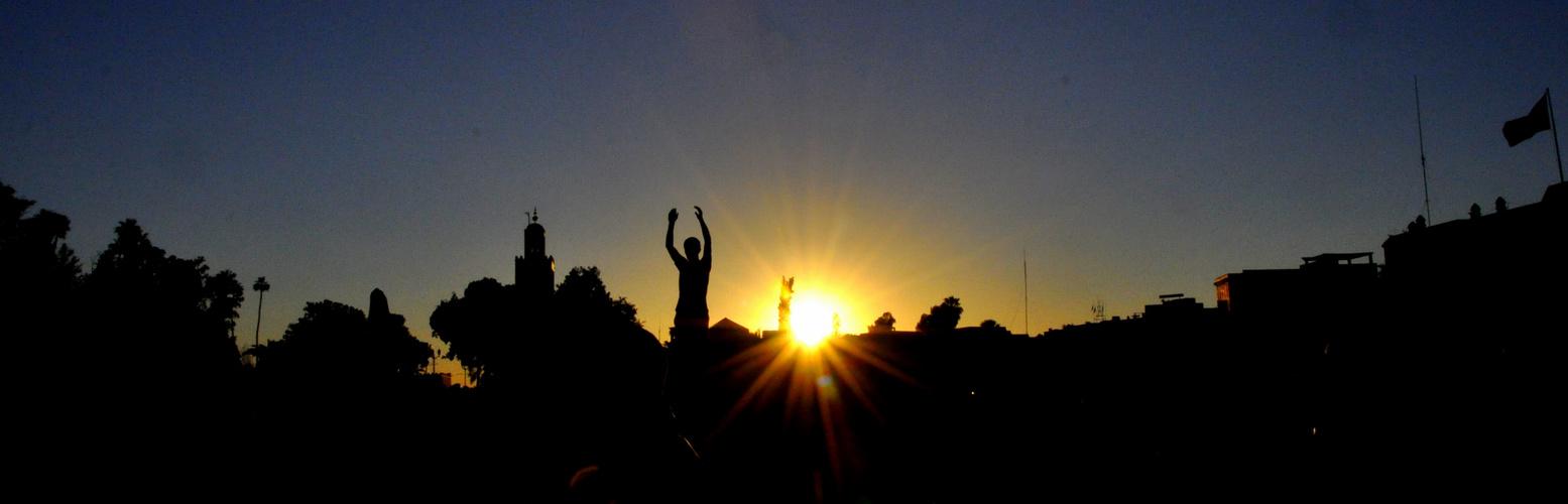 Tanz bei Sonnenuntergang