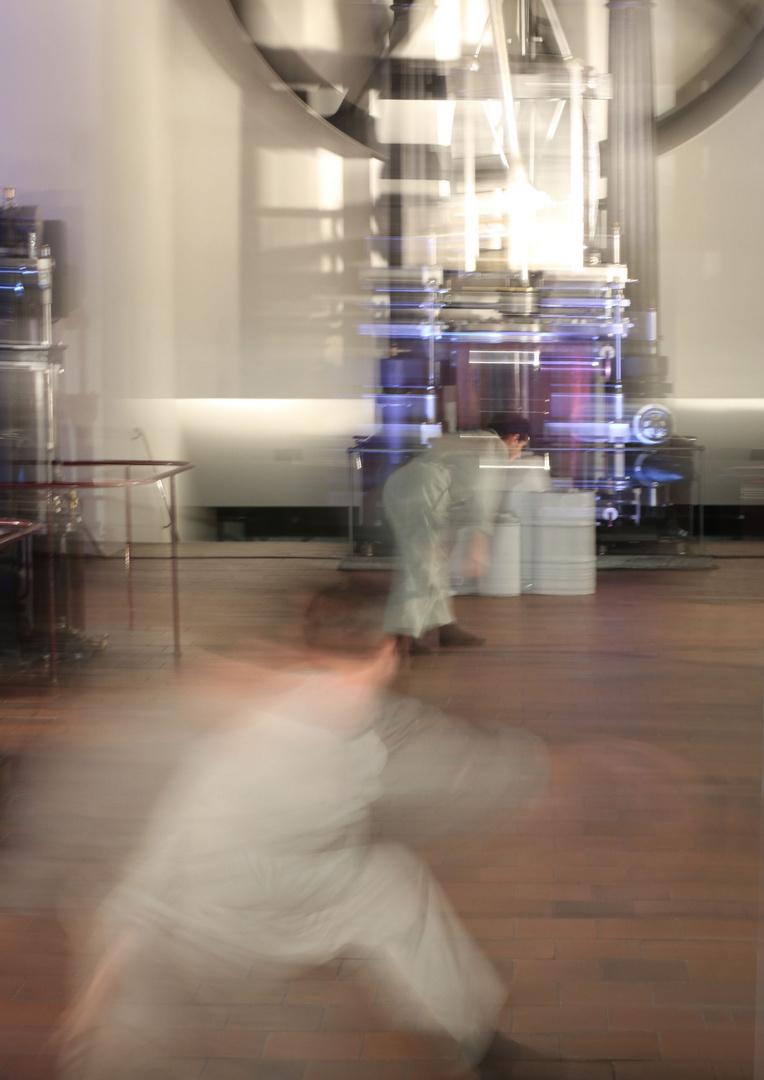 Tanz - bewegte Körper und Maschine - 2 -