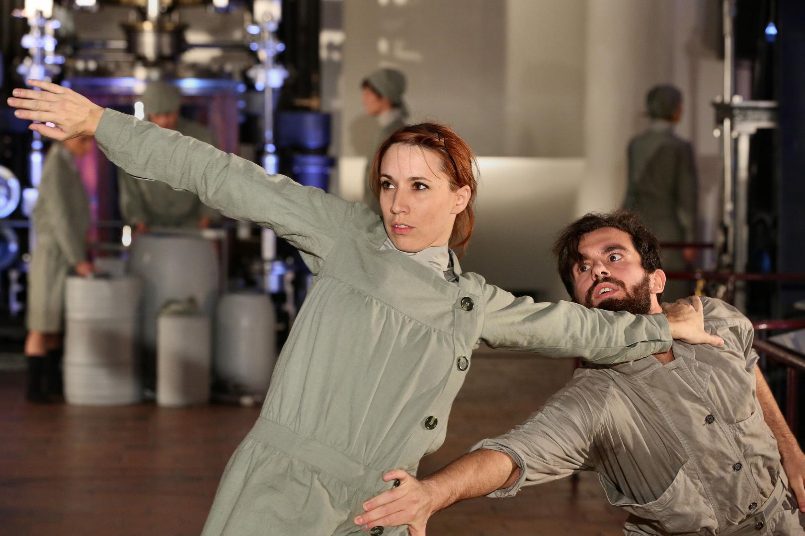 Tanz - bewegte Körper und Maschine - 3 -