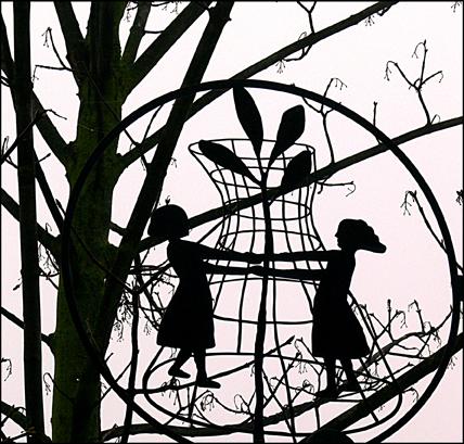 Tanz im Baum