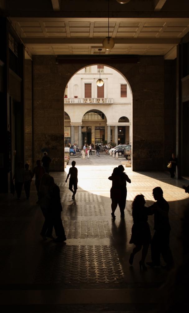 Tanz unterm Torbogen in Brescia 2007