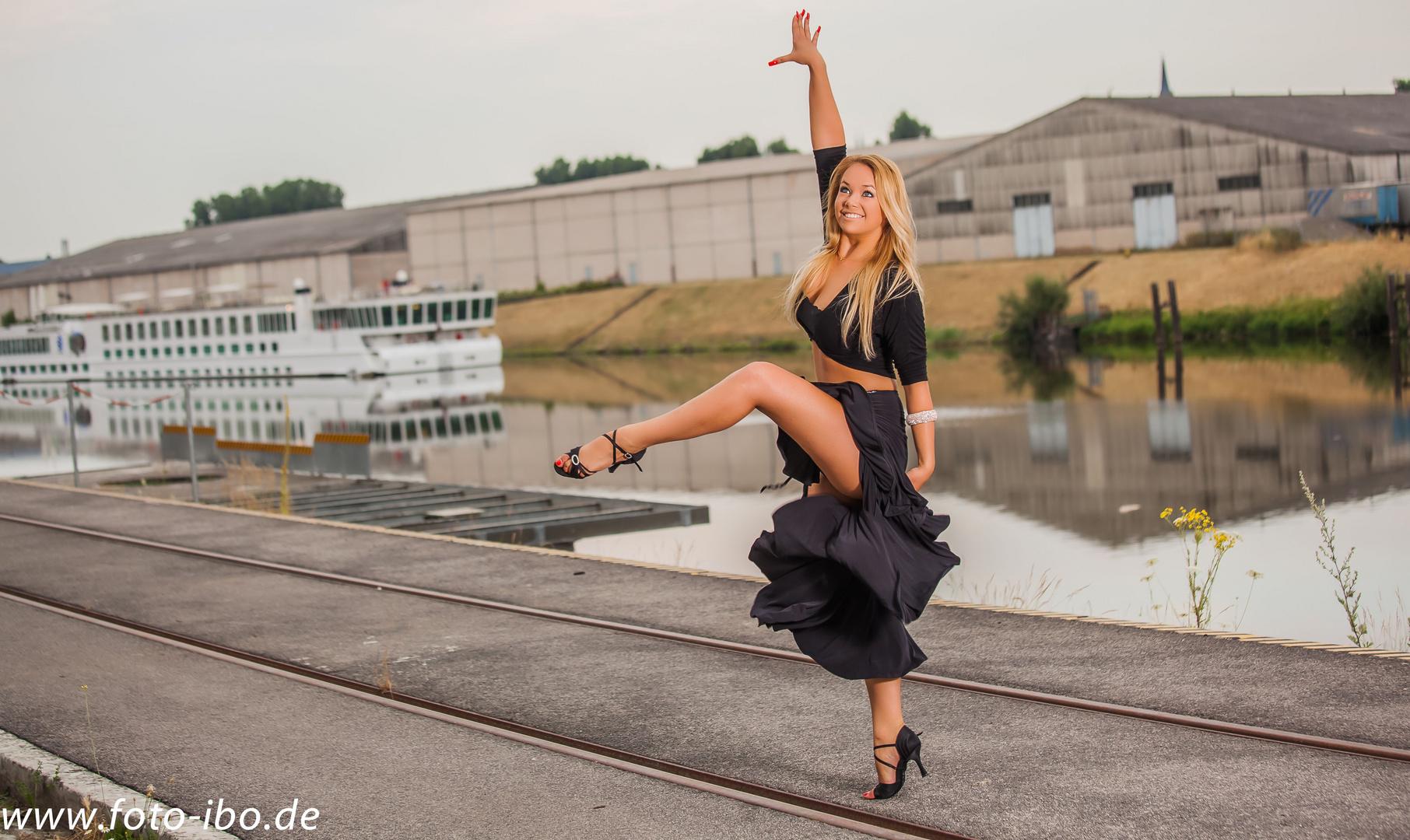 ..Tanzen im Hafen