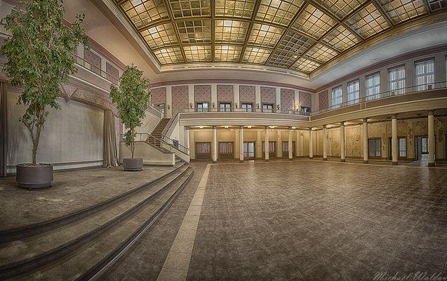 Tanzsaal (II)