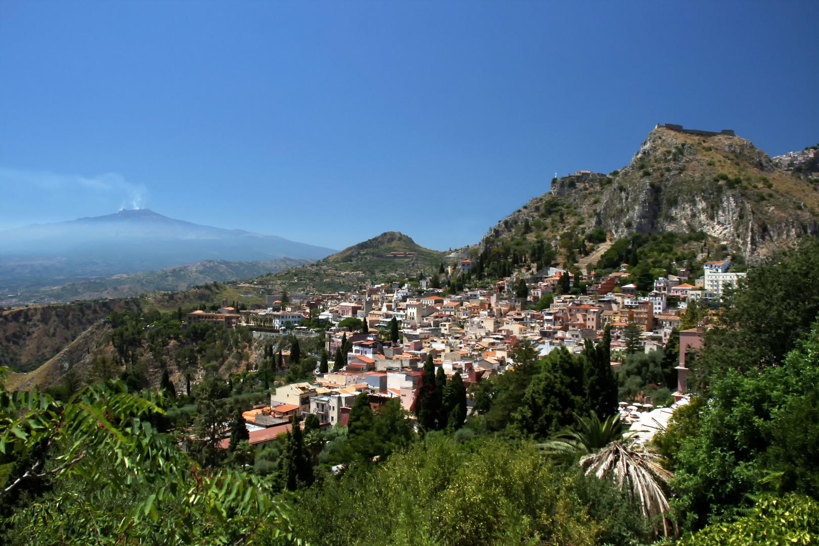 Taormina-Sizilien mit Ätna