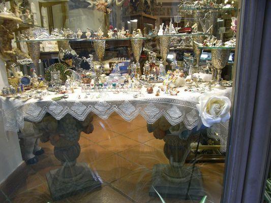 Taormina und seine opulenten Geschäfte