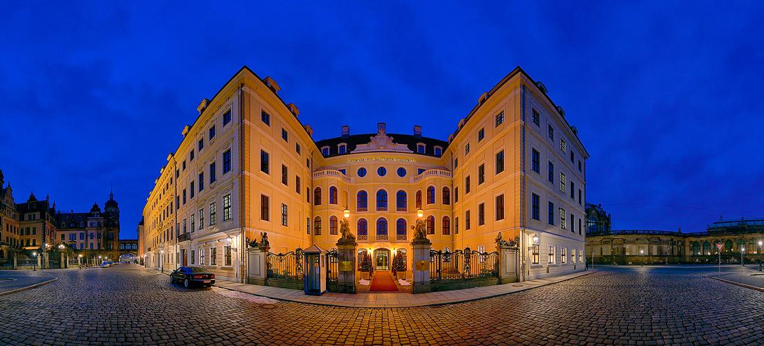 ... Taschenberg-Palais ...
