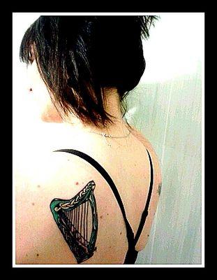 Tatouage Harpe-Papillon Dos