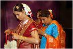 Tausch des Saris