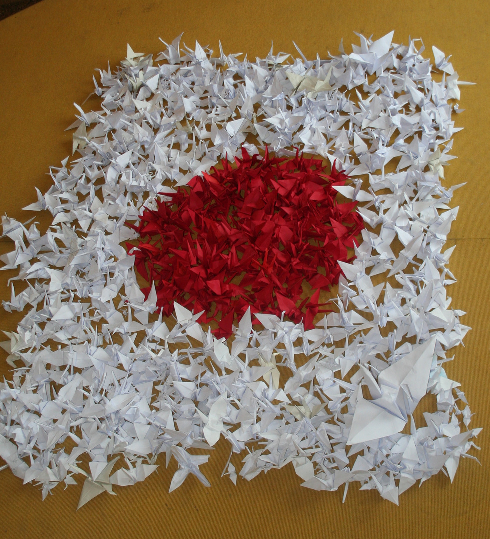 Tausend Kraniche für die Kinder in Japan