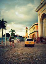 Taxi à Trinidad (exo n323 La lettre T en soirée)