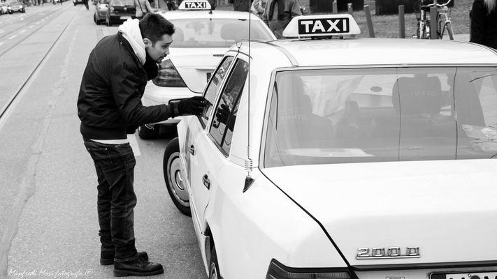 Taxi?!