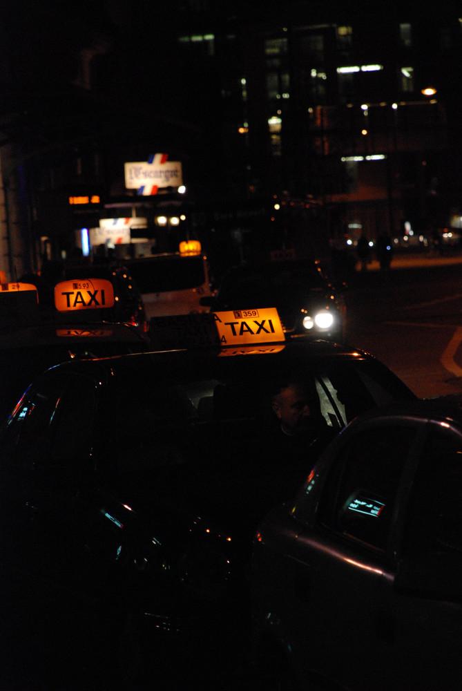 Taxistand am Bahnhof SBB