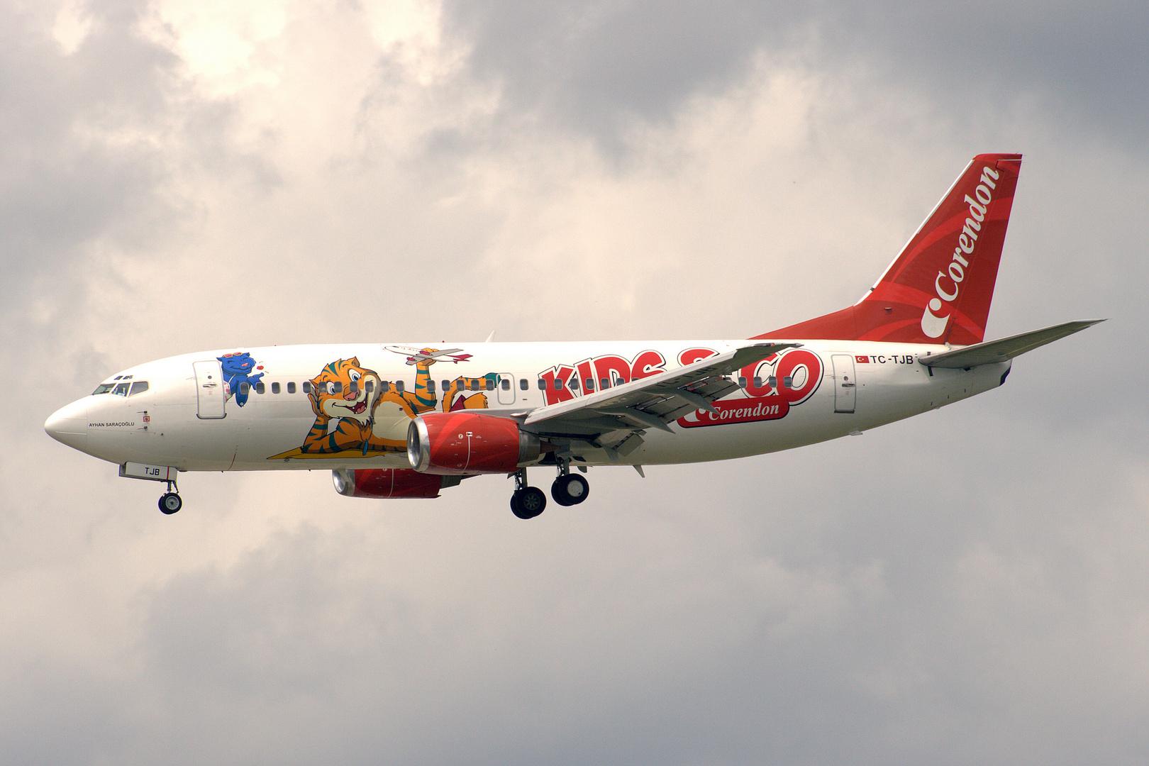 TC-TJB Corendon Airlines Boeing 737-300 Kids & Co c/s