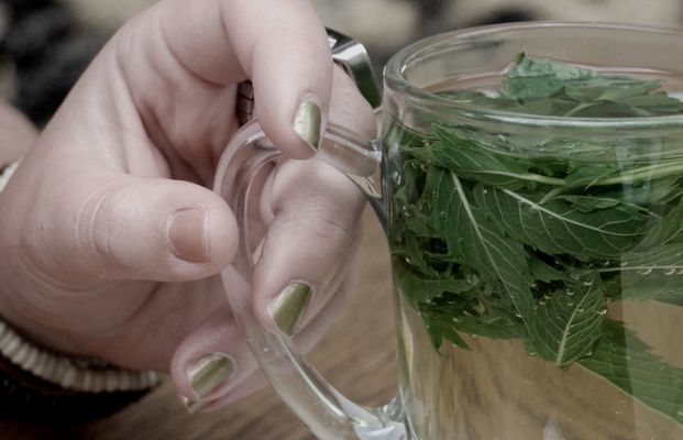 tea  finger