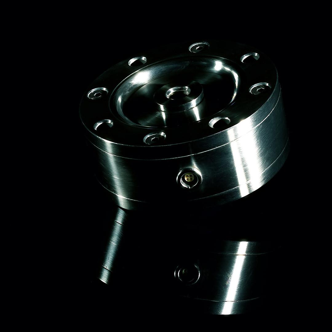 Technology:  Kraftsensor aus Titan