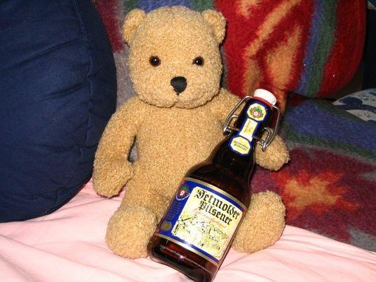 Teddy + Bier