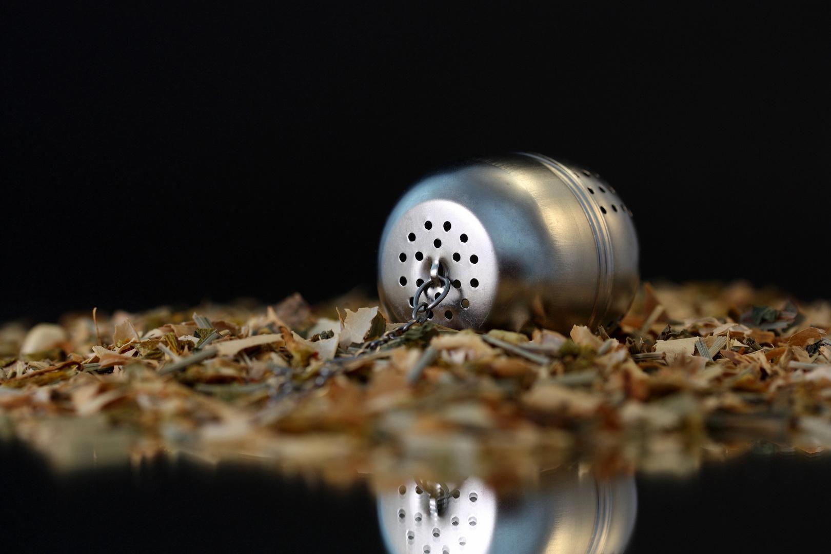 Tee-Ei auf Tee