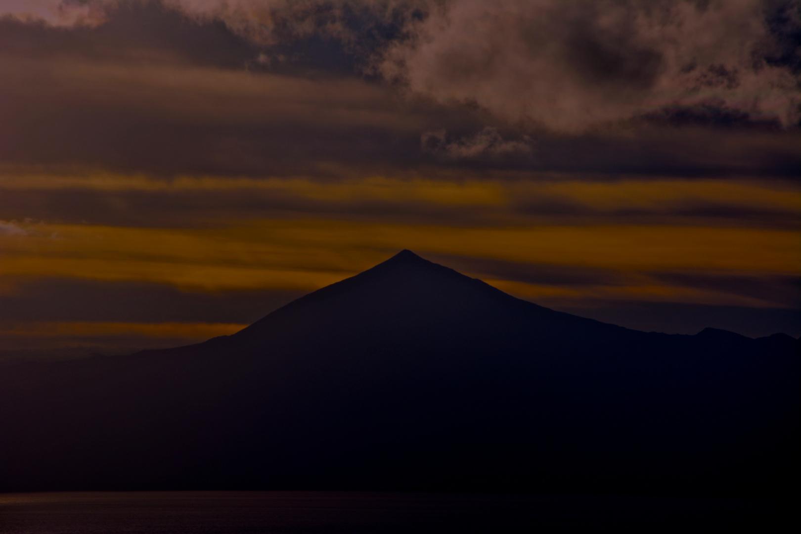 Teide in Red - Auch ein Berg kann erotisch sein ;-)