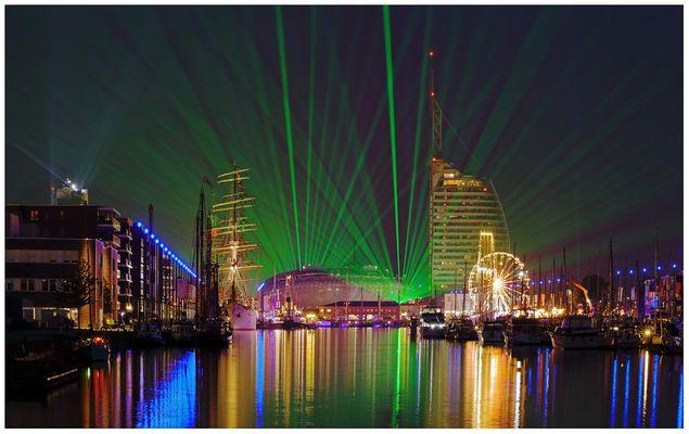 """Teil --26--: Havenwelten Bremerhaven am 27.5.2016 """"SeeStadtFest u. Laserschau"""""""