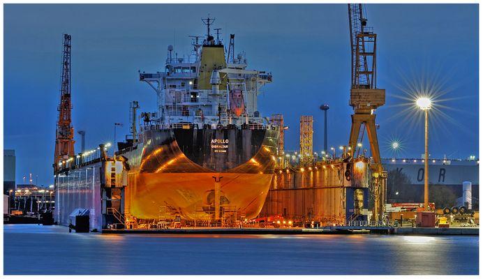 """Teil -- 6 -- : Maritime Arbeitswelten in Bremerhaven am 7.4.2013 """"Arbeit u. Licht """""""