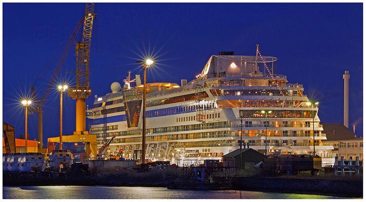 """Teil -- 7 -- : Maritime Arbeitswelten in Bremerhaven am 7.4.2013 """"Schönheitskur """""""