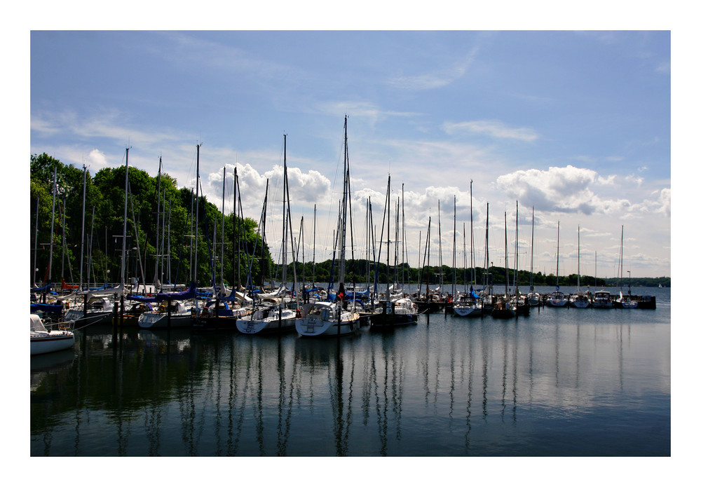 Teil-Anblick Segelhafen Heikendorf (bei Kiel)