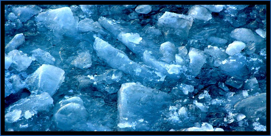 Teil des zugefrorenen Elbe-Seiten-Kanals